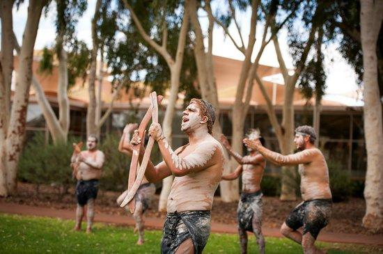 Ayers Rock Campground: Wakagetti Dancers - Free Indigenous Activities