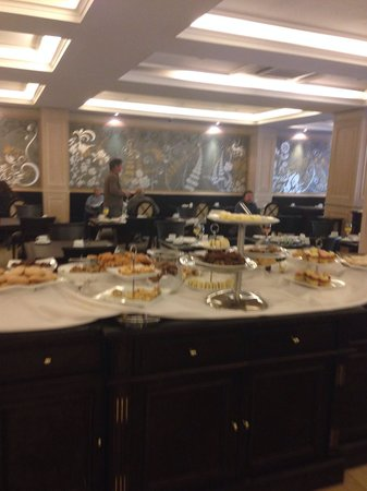 Diplomatic Hotel : Desayuno buffet de dulces