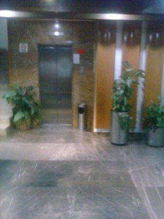 Hotel Costa Brava: asensor