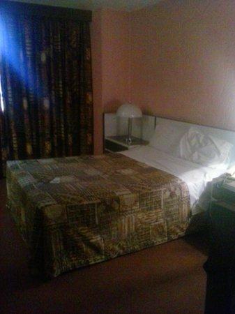 Hotel Costa Brava: habitación sencilla