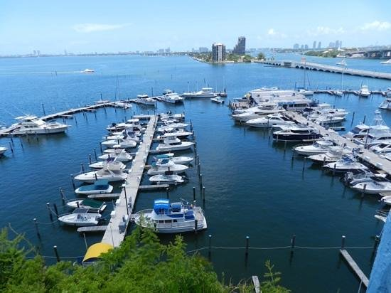 Doubletree by Hilton Grand Hotel Biscayne Bay: vista para a baía