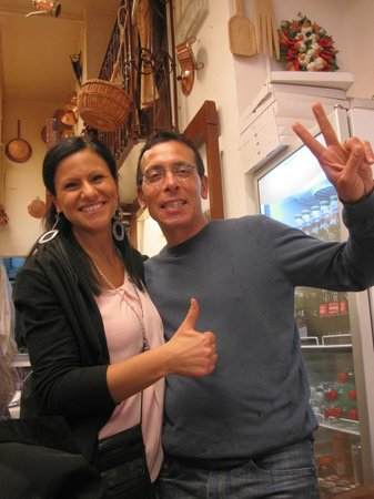 Pizzeria Napoli In Bocca : Antonio and his beautiful wife know how to run a business!