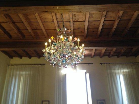 gold room chandelier - picture of soggiorno antica torre, florence ... - Soggiorno Antica Torre Tripadvisor