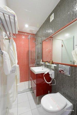 Kupechesky Dvor Hotel: Ванная комната в стандартном номере