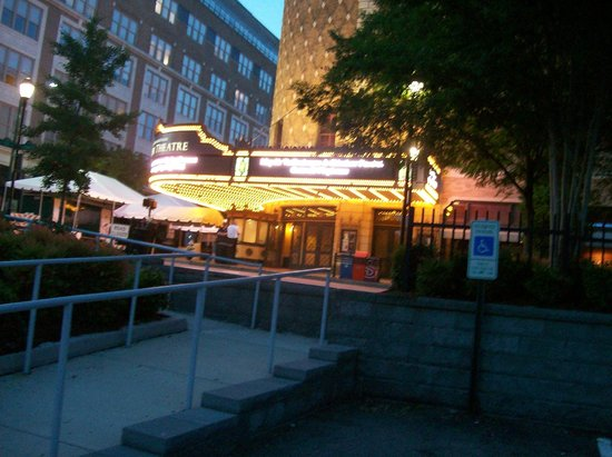 Restaurants Near Carpenter Theatre Richmond Va