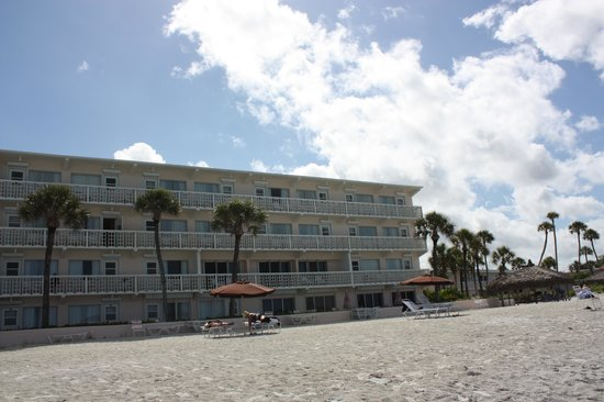 Sandcastle Resort at Lido Beach: The Hotel