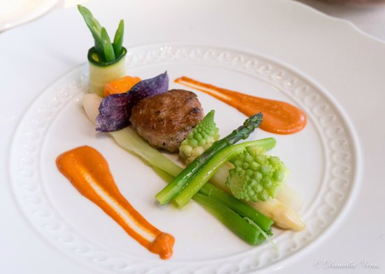 Il Ridotto : Lamb Hamburger with Red Curry and Vegetables Mayonnaise