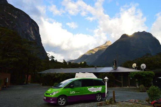 Milford Sound Lodge: surroundings