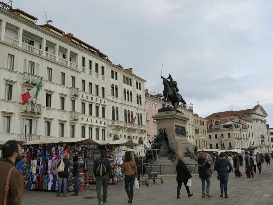 Hotel Locanda Vivaldi : Left: Londra Palace, Right: Locanda Vivaldi