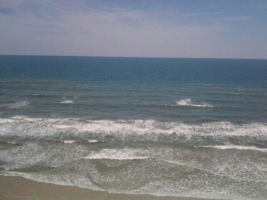 Holiday Inn Express and Suites Oceanfront: The beach