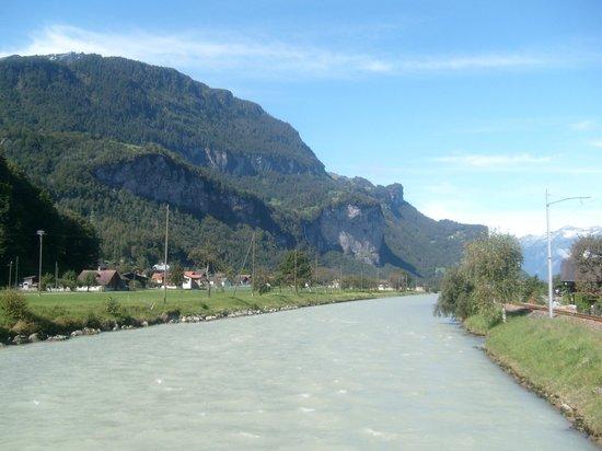 Reichenbach Falls : Aussicht von der Brücke bei der Zughaltestelle