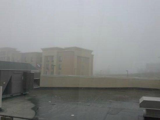 Hilton Garden Inn Casper: The lovely view of the roof from our room