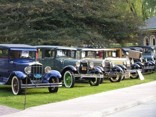 El Henry Ford: Desfile de autos antiguos