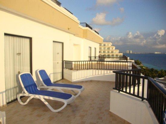 Hotel Riu Caribe : Terraço
