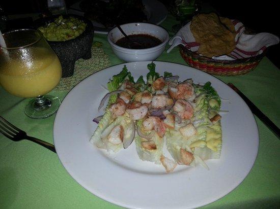 Viejo Vallarta: caesar salad with shrimp