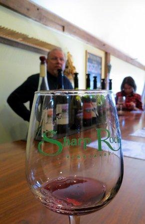 Sharp Rock Vineyards: Wine tasting