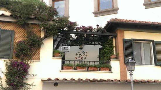 Villa Elisa Casa Vacanze: One of the balconies facing towards the square
