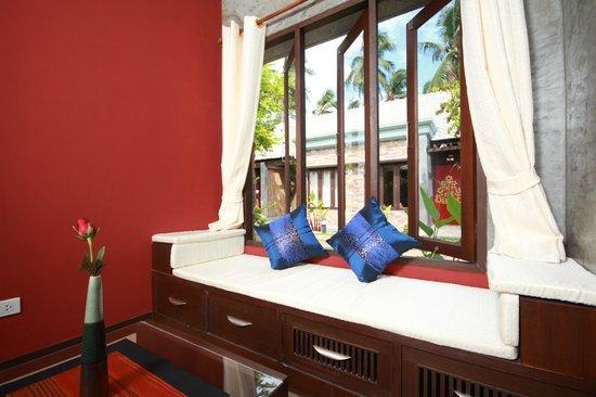 Samui Heritage Resort: Spacious living area