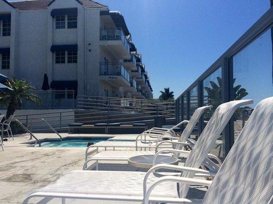 Riviera Shores Resort : Larger pool area