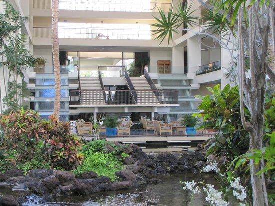 Mauna Lani Bay Hotel & Bungalows: Inside Hotel
