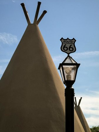 Wigwam Motel: Small details on the outdoor lighting.