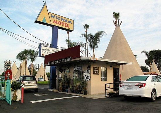 Wigwam Motel: Office check in.