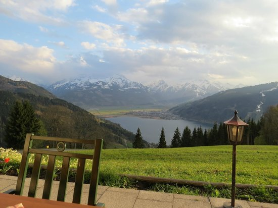 Mitterberghof Jausenstation: Zell am See - Mitterberghof - vista do lago e montanhas