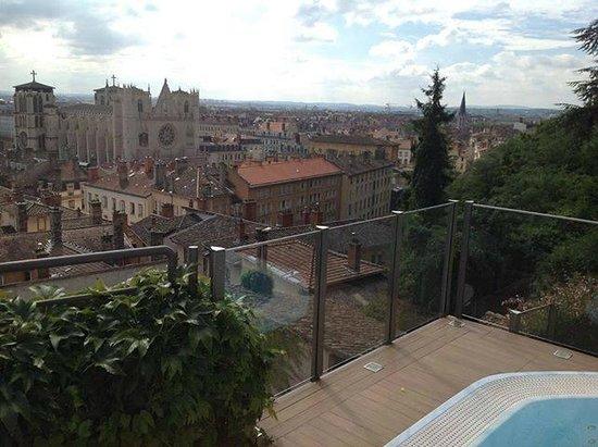Villa Florentine: Vista da área da piscina