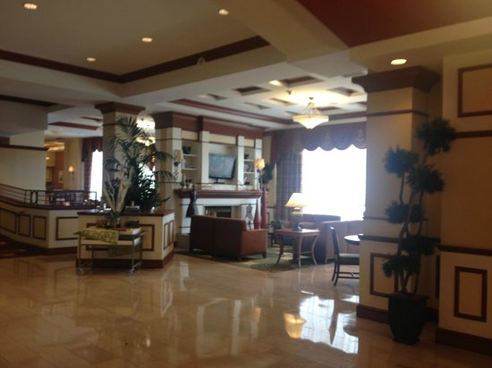 Hilton Richmond Downtown: lobby