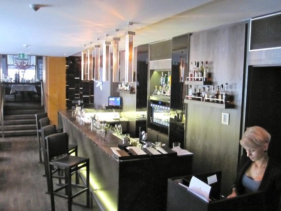 George Prime Steak - Bar area of the Emblem Hoel and Restaurant