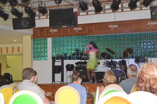Breezes Resort & Spa Bahamas: Nightly Music