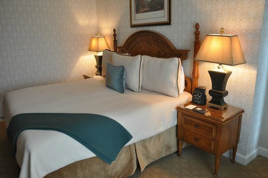 The Inn on Biltmore Estate: Our Room
