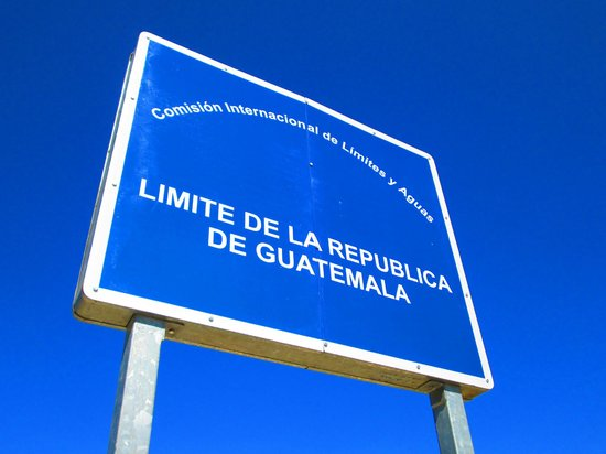 Lagos de Montebello : Limite fronterizo