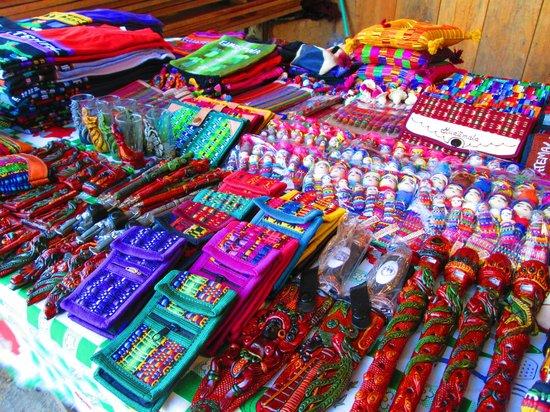 Lagos de Montebello : Artesanias Guatemaltecas