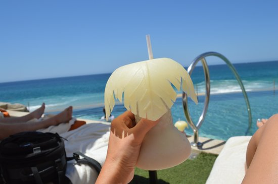 Grand Solmar Land's End Resort & Spa : Pina Coladas ALL DAY :)
