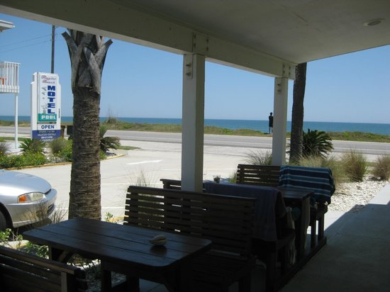 Flagler Beach Motel: Ocean is just steps away