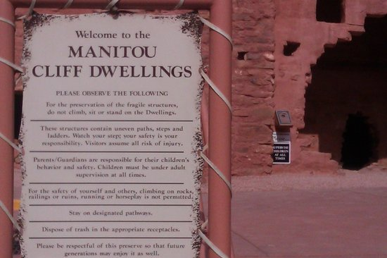 Manitou Cliff Dwellings: The sign