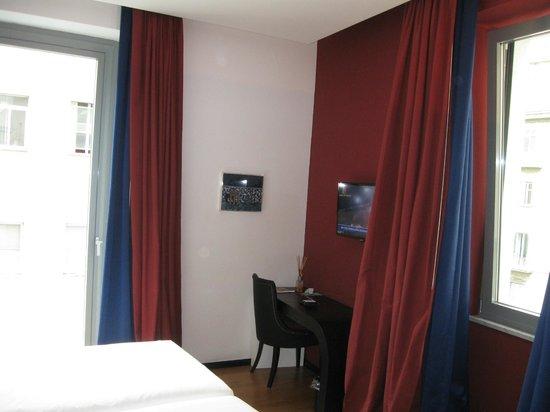 Culture Hotel Centro Storico : habitacion de esquina