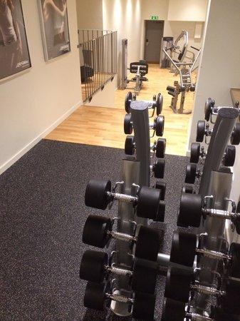 Elite Stadshotellet Eskilstuna: Strength equipment viewed from top level. Everything unused was in immaculate condition.