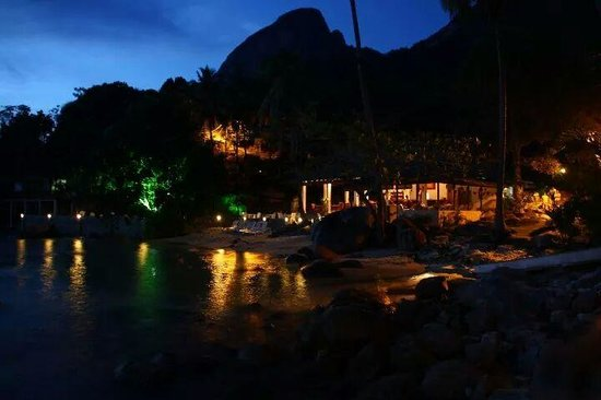 Minang Cove Resort: Dusk at the Cove