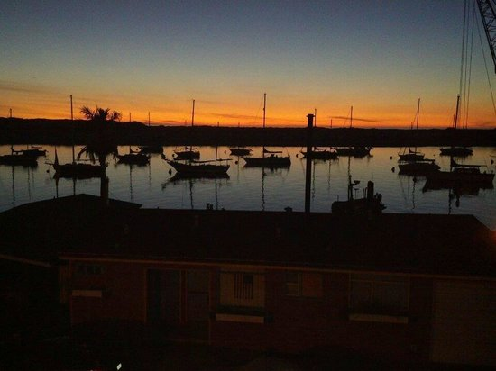 456 Embarcadero Inn & Suites: View at Sunset from your balcony