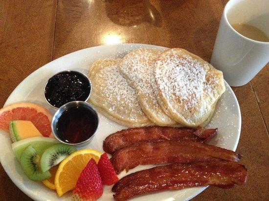 Tall Poppy Cafe: Pancakes & Bacon