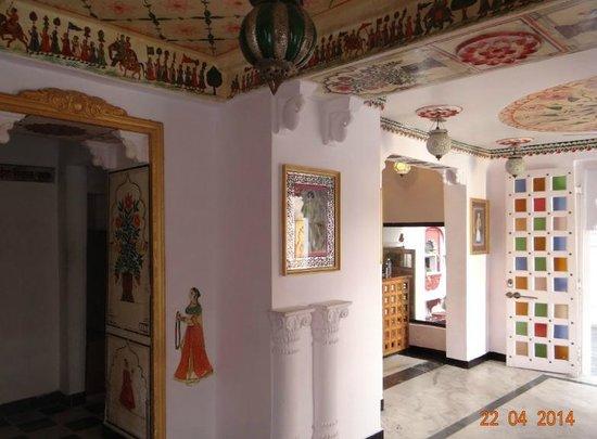 Anjani Hotel: The Lobby