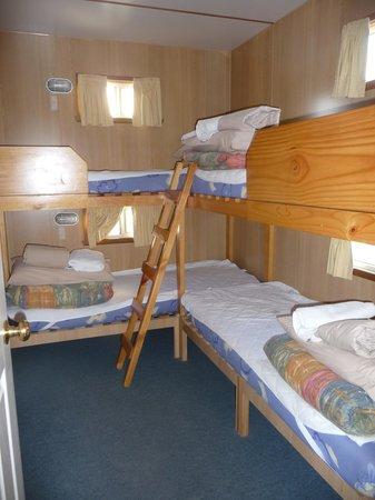 Strahan Holiday Retreat: Bunk room