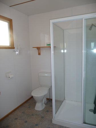Strahan Holiday Retreat: Bathroom