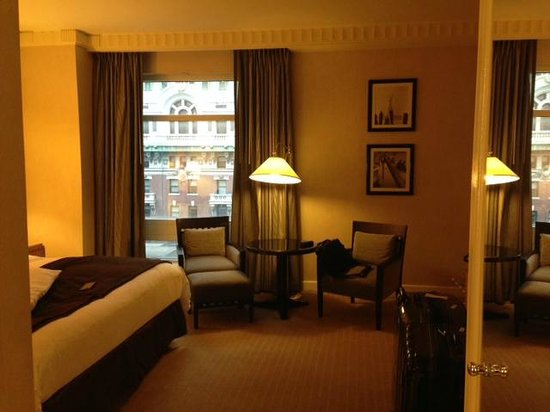 Sofitel New York: Spacious room with a little view