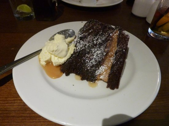 Horse & Groom: Chocolate Cake