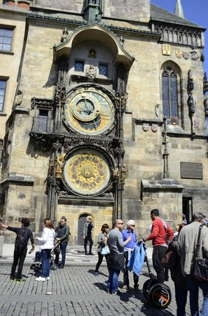 Prague Airport Transfers : Astronomical Clock