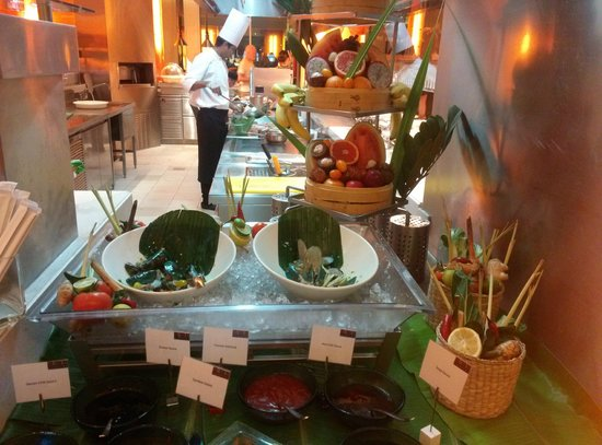 Yas Island Rotana: DINNING