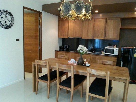 The Kiri Villas Resort: Fully equipped kitchen
